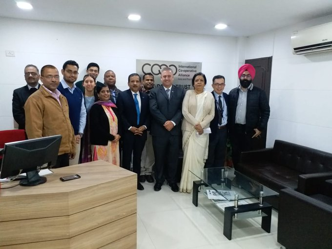 El sector cooperativo hace contacto en India